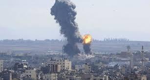 صورة الاحتلال يقصف موقعين بوسط وجنوب قطاع غزة