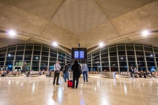 صورة مطار الملكة علياء الدولي يستقبل 2000 مسافر يومياً