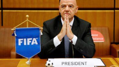 صورة رئيس فيفا غير مهتم بدوري أوروبي ممتاز