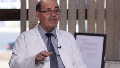 صورة الملك يهنئ الدكتور العبداللات باختياره ضمن افضل  10 اطباء في امراض الدماغ والاعصاب بالعالم