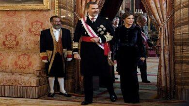 صورة ملك إسبانيا  يخضع للحجر الصحي بعد مخالطته مصابا بكورونا