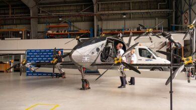 صورة إطلاق أول طائرة إسعاف كهربائية في العالم (صور)