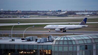 """صورة توقيف أمريكي اختبأ في مطار 3 أشهر """"خشية كورونا"""""""