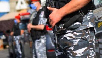 صورة اعتداء بالضرب المبرح على عنصر أمن لبناني ودعوات لإنزال أشدّ العقوبات بالمعتدي- (فيديو)
