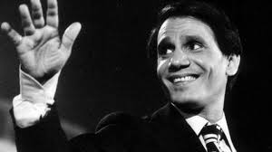 صورة أسرة عبد الحليم حافظ ترفض التفسير العلمي لعدم تحلل جثته بعد أكثر من 40 عاما
