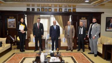 صورة رئيس جامعة عمان الأهلية يستقبل وفداً من السفارة السورية