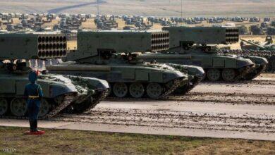 صورة روسيا تستمر بحشد قواتها.. هل تستعد لشن حرب على أوكرانيا أم أنها تختبر رد فعل بايدن فقط؟