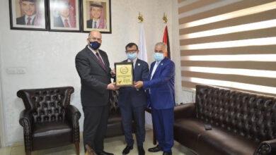 صورة عمان الأهلية تتسلم شهادات ضمان الجودة لكليات : الحقوق والصيدلة وتقنية المعلومات والأعمال