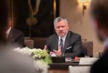 صورة الملك يلتقي رئيس لجنة تحديث المنظومة السياسية